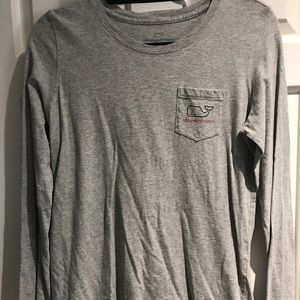 Vineyard Vines women's long sleeve holiday tee